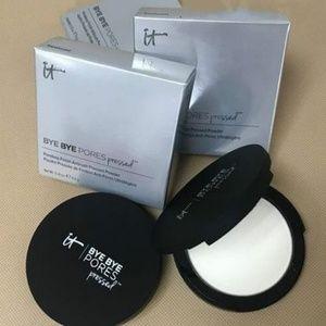 It Cosmetics Bye Bye Pores Pressed  Powder
